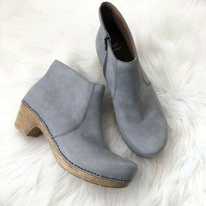 Dansko Maria Clog Boots 41 11 Gray Ankle Suede
